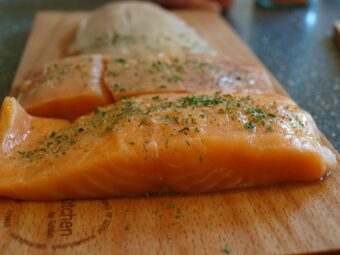 Filety z łososia z sosem śmietanowym z musztardą francuską OCTIM